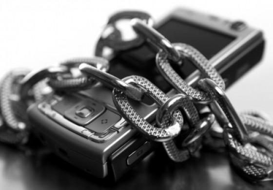 پاسخ به 5 سوال امنیتی در خصوص تلفن همراه شما