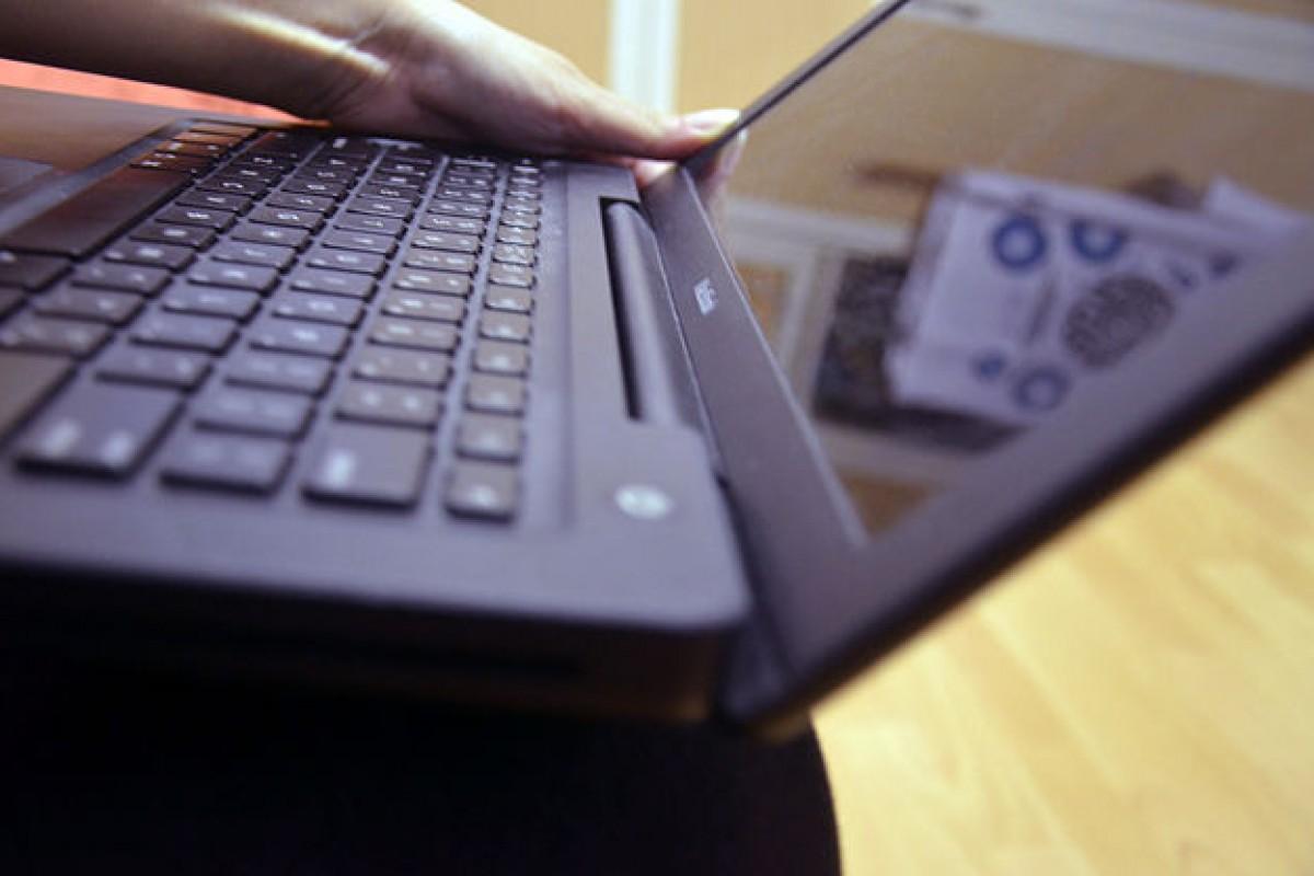 صفحه کلید لپ تاپمان را چگونه تمیز کنیم؟!