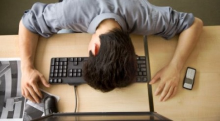 [عکس: student-asleep-keyboard-back-to-college-...20x342.jpg]