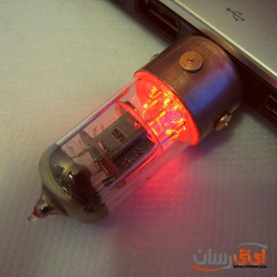 Vacuum-Tube-16GB-USB-Drive