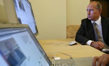 پوتین اینترنت را پروژه سی آی ای دانست