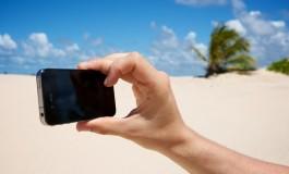 مقایسه کیفیت نمایشگر 8 گوشی پرچمدار در زیر نور آفتاب!