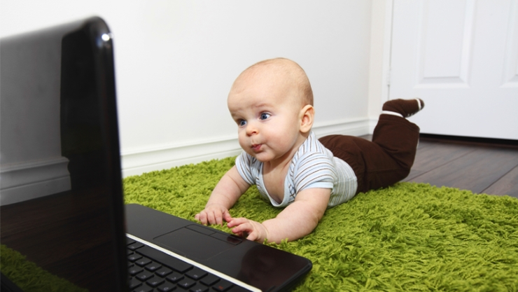 431798-baby-and-laptop