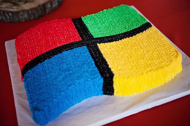 363164-windows-logo-cake