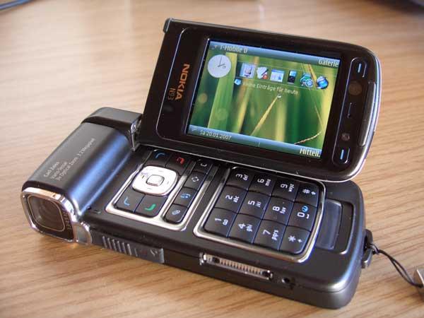 Nokia_n93-1
