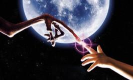 گوگل ارث باعث کشف آدم فضایی در ماه شد!