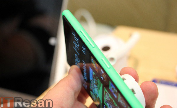 Nokia Lumia 730 (3)