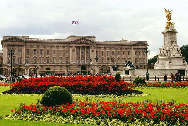 Buckingham-Palace-Before