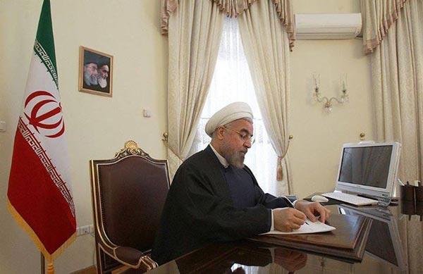 president حسن روحانی از چه کامپیوتری استفاده میکند؟