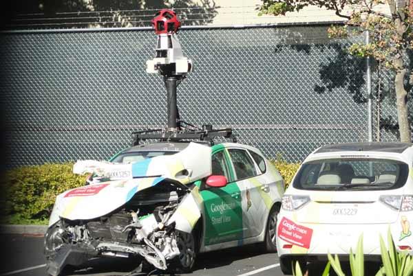 google-street-view-car-crashed-2