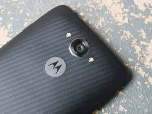Motorola-DROID-Turbo---20.7MP
