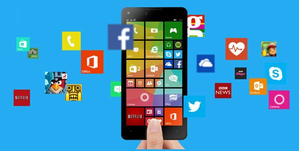 Windows-Mobile-8-Smartphone-Hand-Holding1