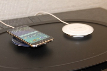 2-you-can-also-charge-samsungs-new-phone-wirelessly-with-a-charging-pad-instead-of-plugging-it-in