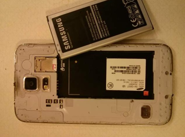 Samsung-Galaxy-S5-catches-on-fire