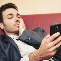 University-study-links-smartphone-use-to-laziness