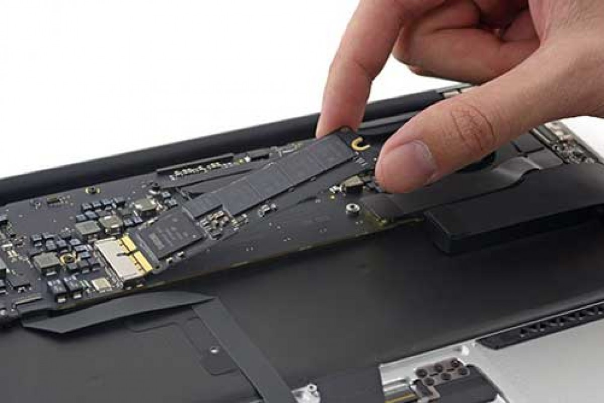 SSD که اپل در مکبوک جدید به آن مینازد ساخته سامسونگ است!