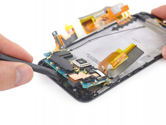 HTC-One-M9-iFixit-teardown-3-640x480