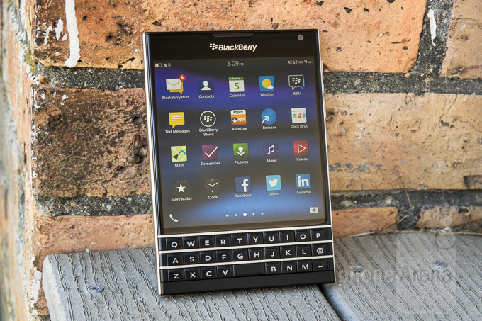 BlackBerry-Passport-Review-TI