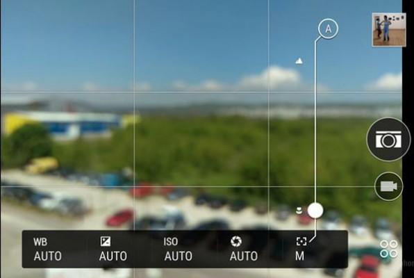 Manual-focus-controls