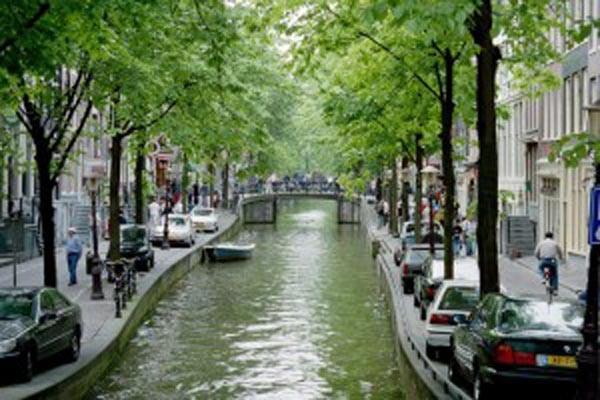 amsterdam-300x200