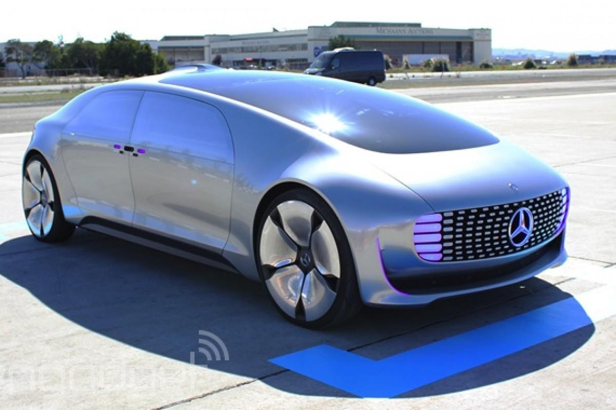 همکاری بنز و کوالکام برای ساخت خودروهایی که از فناوریهای بیسیم بهره میبرند
