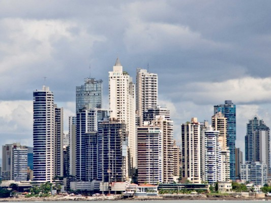 no-18-panama-city-has-241-tall-buildings-in-2560-square-kilometers