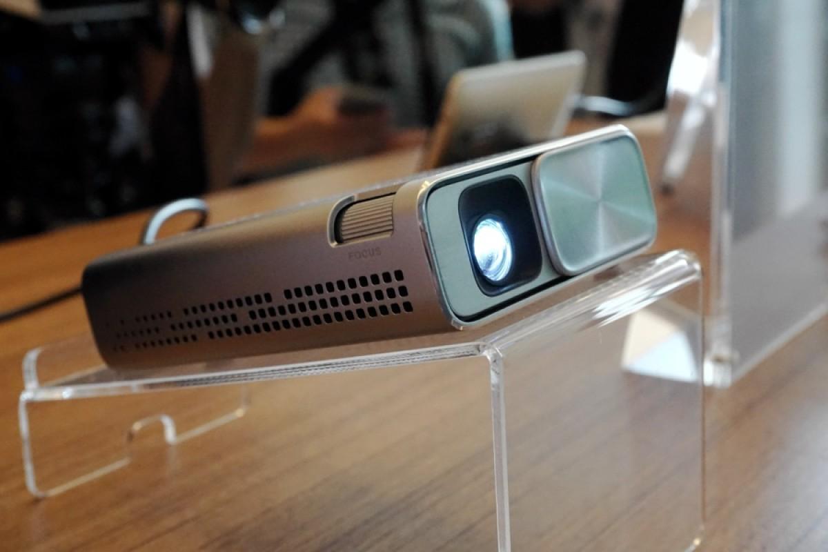 پروژکتور کوچک ایسوس E1Z با قابلیت پخش از دستگاههای اندرویدی معرفی شد