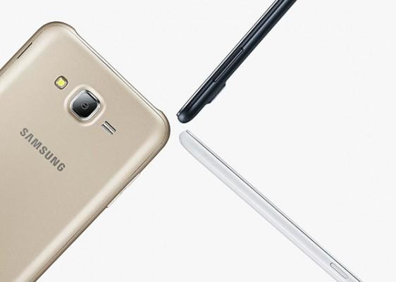 Samsung-Galaxy-J7(9)