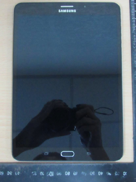 Samsung-Galaxy-Tab-S2-8.0-visits-FCC 3