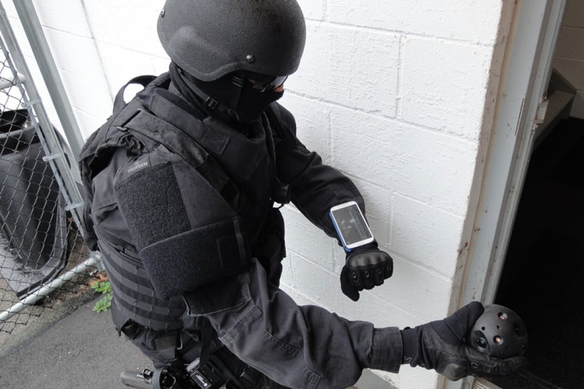 این توپ هوشمند قرار است جان نیروهای پلیس را نجات دهد؛ اما چگونه؟!