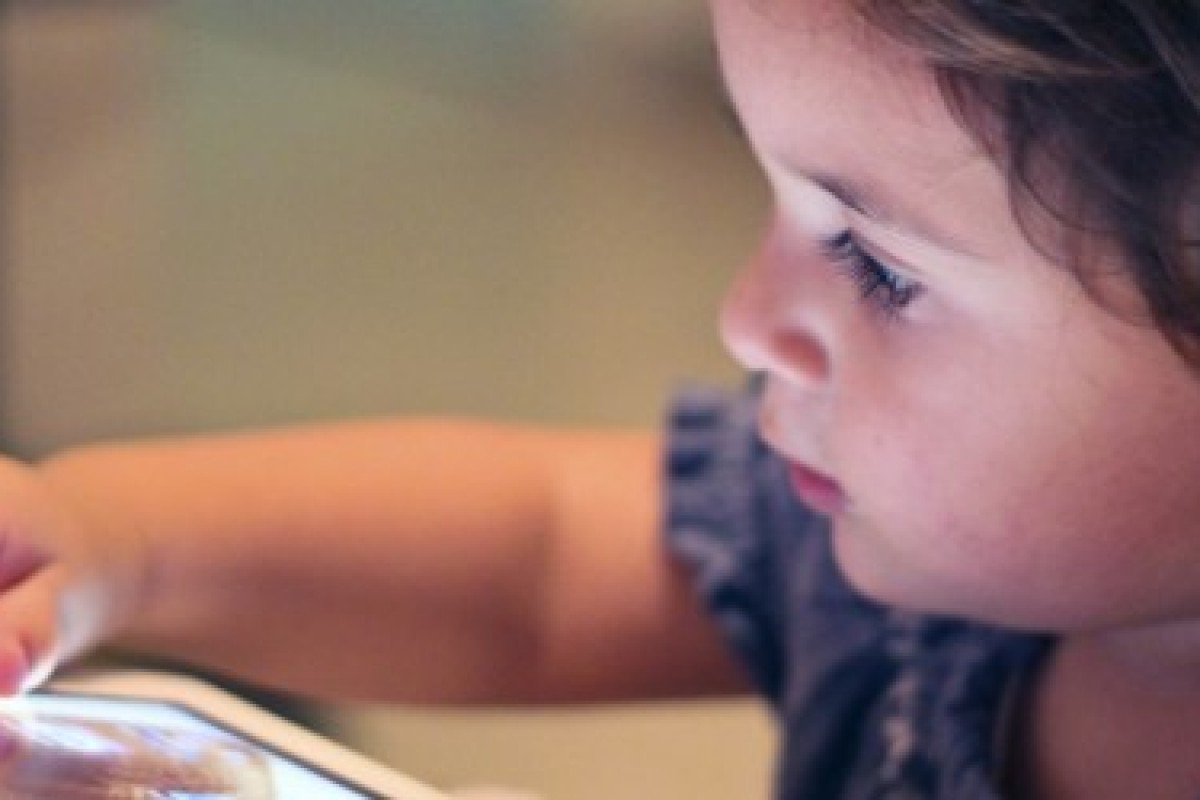 اگر صفحه لمسی گوشی هوشمند یا تبلت شما مشکل دارد، این مقاله را بخوانید!