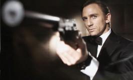 جیمز باند با قایق جاسوسیاش وارد میشود!