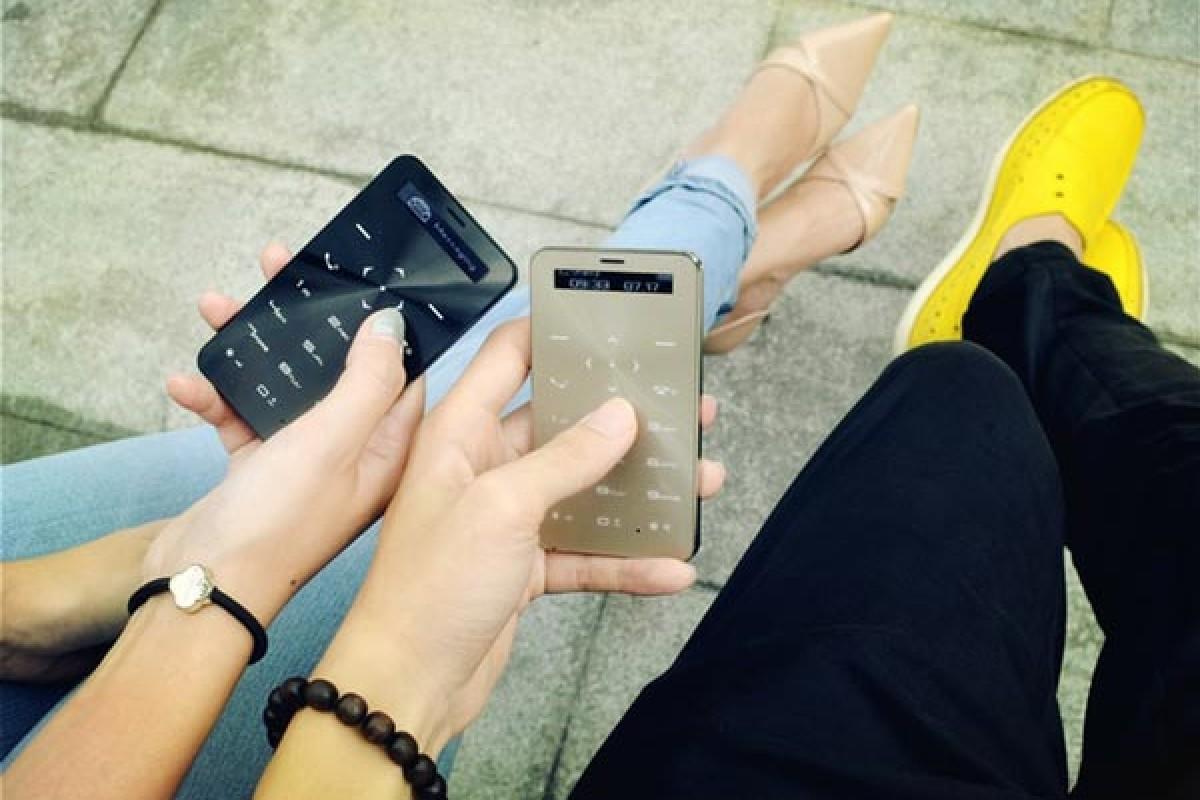 Janus One یک تلفن همراه ساده است که تا 90 روز با یک بار شارژ زنده میماند!