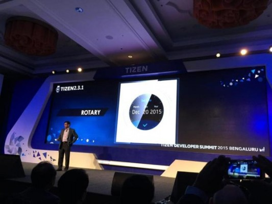 Samsung's-circular-smart-watch