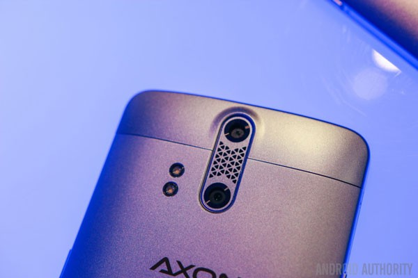 ZTE-AXON-Phone-Hands-On-17-840x560