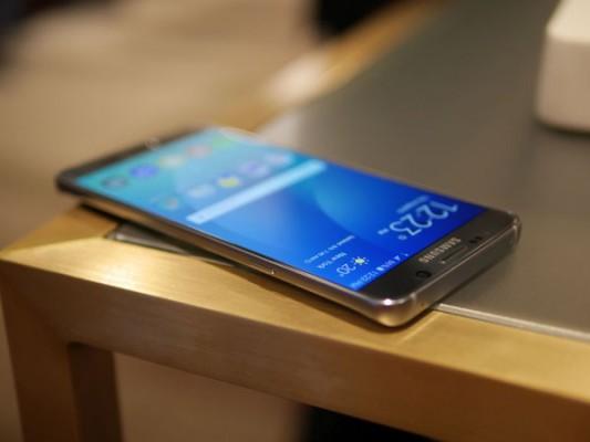Samsung-Galaxy-Note5-(4)