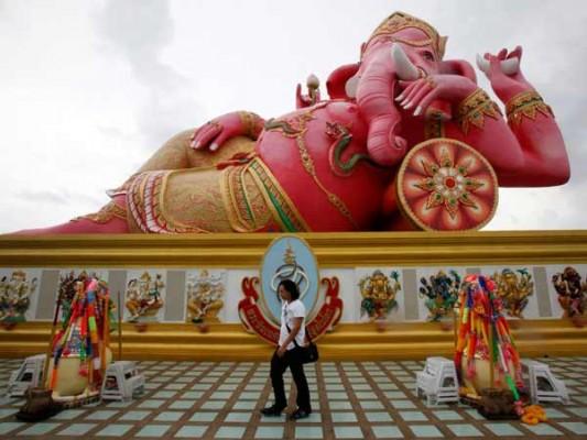 enormous statues (11)