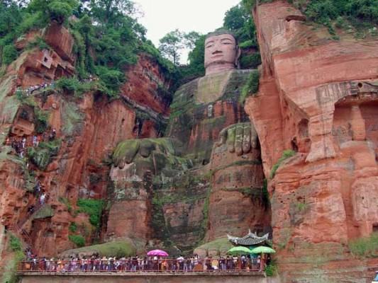 enormous statues (2)
