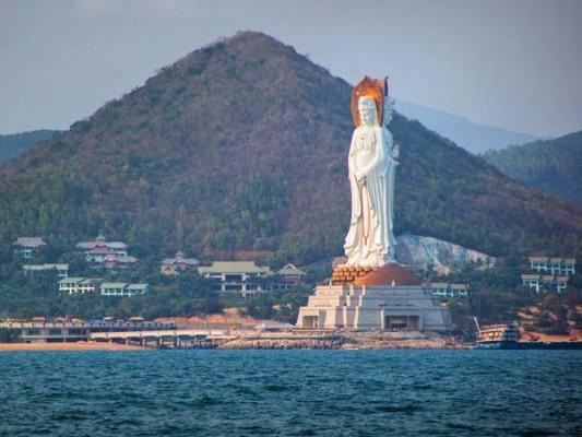 enormous statues (6)