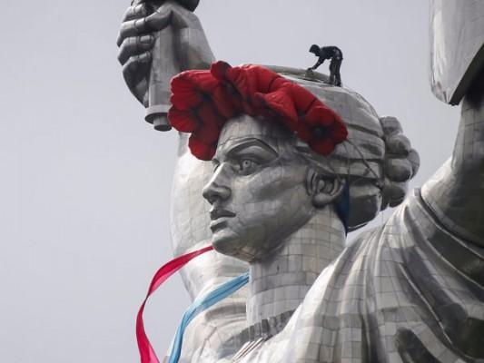 enormous statues (8)