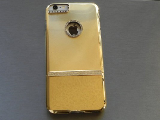 iPhone-6-Plus-case-is-made-out-of-117g-of-solid-gold-2