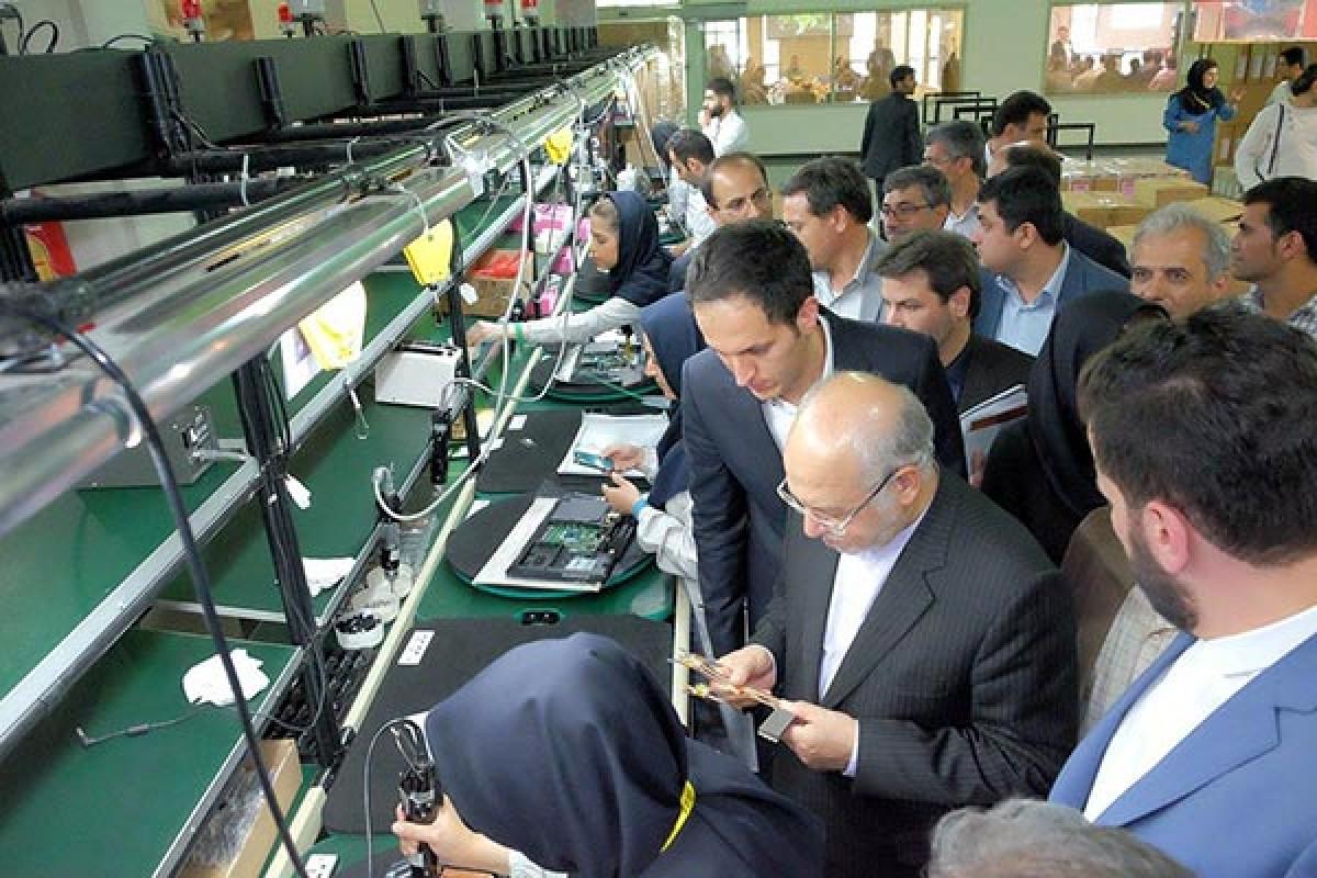 تاکید وزیر صنعت و معدن به دولتیها برای خرید کامپیوتر تولید داخل