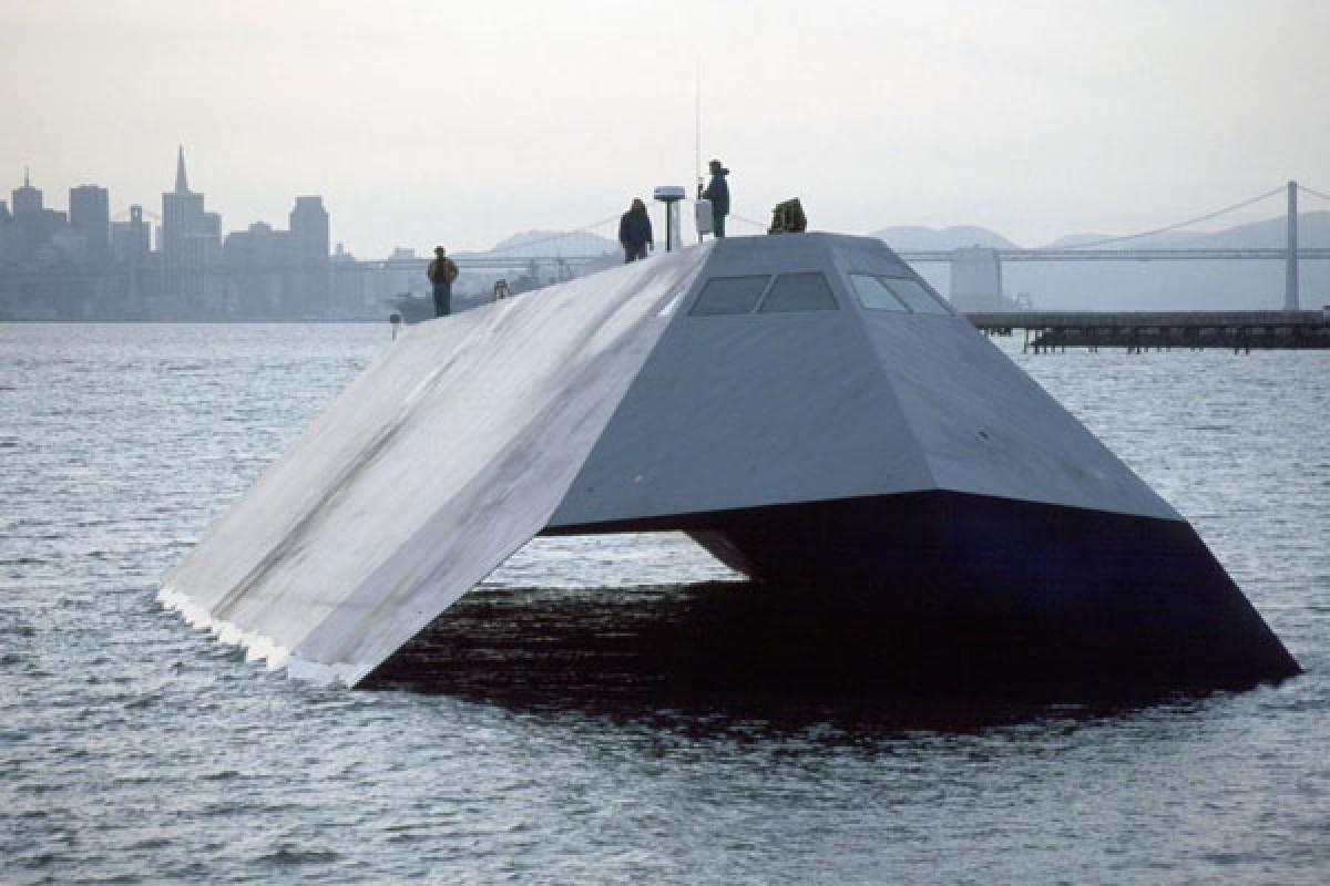 Sea Shadow با لبههای تیغه مانند خود، کشتی رادار گریز آمریکا بود!