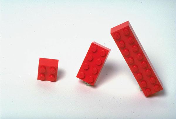 1442843335-1442604369-vintage-legos
