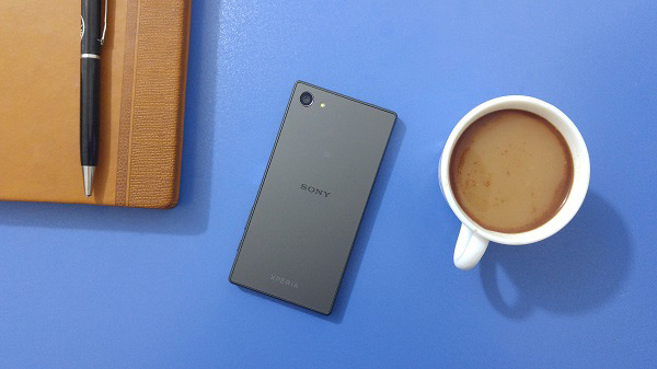 Sony-Xperia-Z5-Compact-Review-(4)