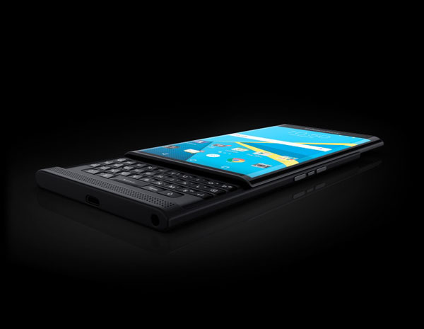 The-BlackBerry-Priv-(2)