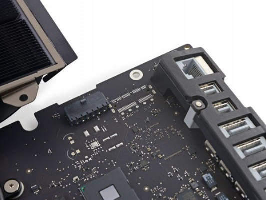 iMac-21-5-Teardown-1