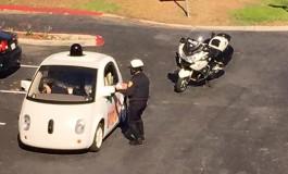 پلیس خودروی بدون راننده گوگل را متوقف کرد!