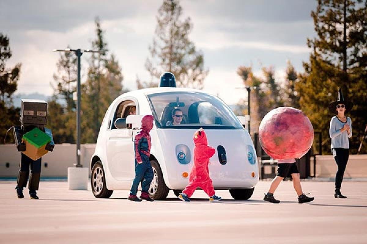 خودروی بدون راننده گوگل در مقابل کودکان احتیاط بیشتری میکند!