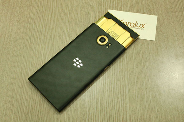 How-would-you-like-a-24K-gold-plated-BlackBerry-Priv-(2)